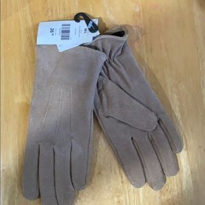 NWT Genuine leather gloves